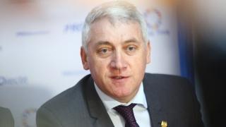 Parlamentarii Pro România nu vor fi prezenţi la votul pentru învestirea Guvernului