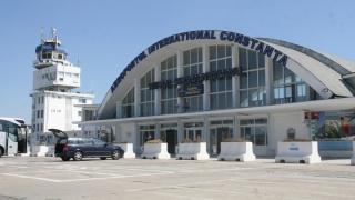 Pe aeroportul Mihail Kogălniceanu traficul aerian se desfășoară în condiții de iarnă