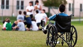 Ai un copil cu nevoi speciale? Nu e suficient să-i ceri drepturile bănești!
