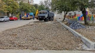 Lucrări de reconfigurare a spațiului urban în mai multe zone din oraș