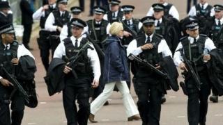Mai multe persoane, arestate la Londra pentru că ar fi plănuit un complot terorist
