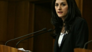 BOMBĂ în INSTANȚĂ: OUG 13, lege mai favorabilă