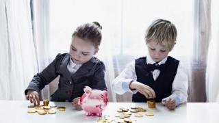 Austria modifică alocațiile pentru copii. Cum vor fi afectați românii care muncesc acolo