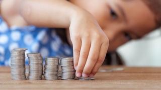 Comisia de muncă a dat undă verde dublării alocaţiilor pentru copii