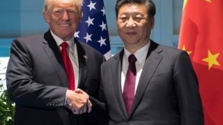 Altercaţie între oficiali americani şi chinezi din cauza valizei nucleare