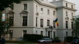 Mii de persoane au vizitat ambasada României în SUA cu ocazia Zilei Porţilor Deschise