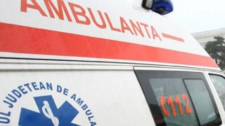 Accident rutier în județul Constanța: ambulanță lovită și asistentă medicală rănită