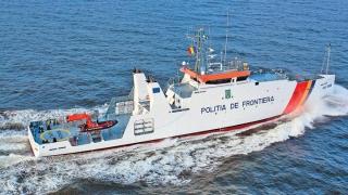 Zeci de imigranţi, salvaţi de poliţiştii români în Marea Egee