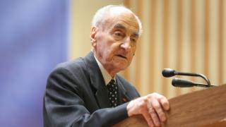 A murit un titan al politicii românești - Un secol de istorie!