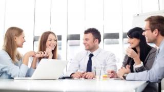 Companiile care angajează tineri trebuie să-și asume criteriile noilor generații