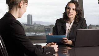 Șase din zece români vor un job nou, în 2019