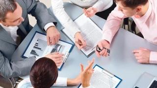 Angajatorii scapă de cheltuielile aferente zilelor nelucrătoare?