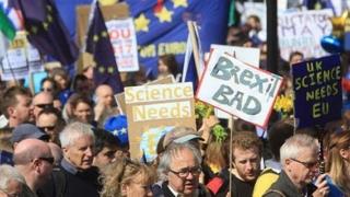 Manifestaţie uriaşă la Londra împotriva Brexitului