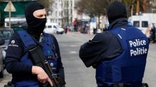 DIICOT: Reținut pentru alarma falsă cu gaz SARIN. Apelantul s-a recomandat Said ben Laden