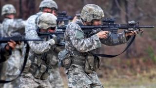 Anunţ-şoc! Transexualii nu au ce căuta în armată! Vezi detalii