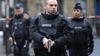 Franța: Ostatici în biserică!