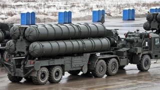 A patra divizie de sisteme antirachetă S-400 sol-aer, instalată în peninsula Crimeea