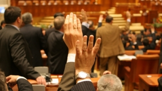 Camera Deputaţilor a aprobat OUG 14, care abrogă OUG 13