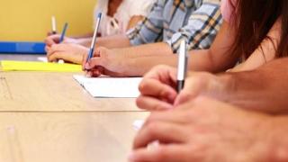 Aproape o mie de profesori constănțeni se bat pentru a prinde o catedră bună