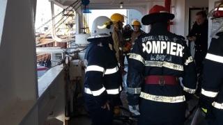 O navă a luat foc în Portul Constanța! Mai mulți răniți!