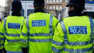 Două persoane suspectate de activităţi teroriste, arestate în Marea Britanie