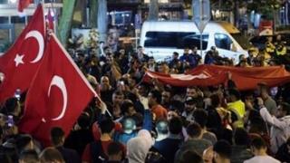 Poliția din Turcia continuă arestările, la peste doi ani de la puciul eșuat