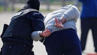 Urmărit internațional pentru răpire de minori, prins la Constanța