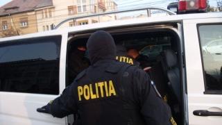 Descinderi fulger! Polițiștii constănțeni au încătușat cinci tâlhari!