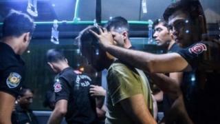 49 de cetățeni străini, suspectați de legături cu gruparea Statul Islamic, arestați în Turcia