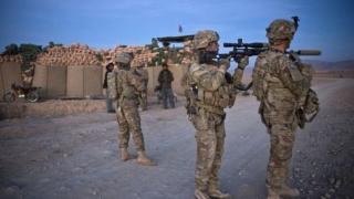 Membri ai forţelor speciale americane efectuează operaţiuni antiteroriste în Libia