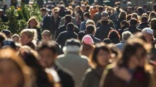 A scăzut populația țării, dar nu știm cât. E posibil avem un nou recensământ
