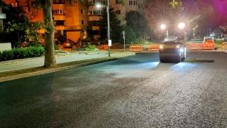 În ce zone continuă asfaltarea carosabilului pe bulevardul Mamaia