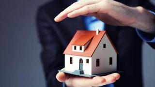 """Asigurarea obligatorie a locuinței, un """"melc"""" foarte motivat"""