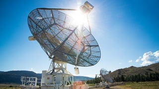 Astronomii scriu istorie! Semnale radio stranii din Univers către Terra