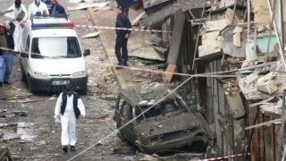 Atac sinucigaș cu bombă pusă în interiorul unei ambulanțe