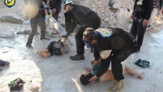 Avioane neidentificate au bombardat orașul sirian unde a avut loc presupusul atac chimic