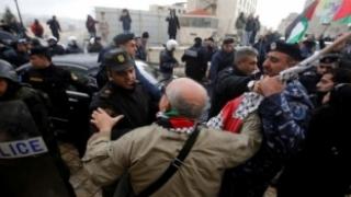 Convoiul Patriarhului grec ortodox al Ierusalimului, atacat de creștinii palestinieni!