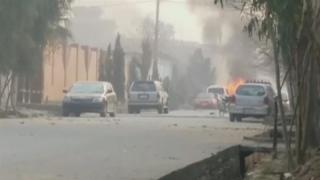Copil ucis şi mai multe persoane rănite într-un atac cu bombă artizanală