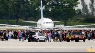 Individul care a omorât 5 persoane într-un aeroport din SUA a atacat în numele reţelei Stat Islamic