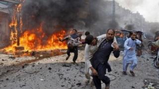 Cel puțin patru persoane, ucise în urma atac sinucigaș în Pakistan