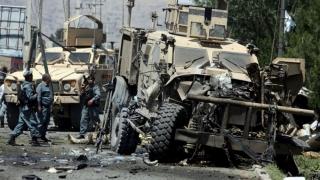 Atac sinucigaș împotriva unui convoi al NATO; talibanii revendică atentatul