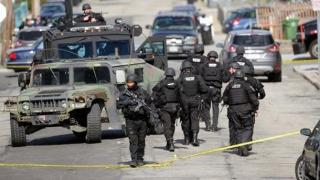 Atac cu cuţitul în SUA! Cel puţin 9 oameni, inclusiv 6 copii, răniţi