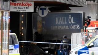 Un cetățean român, rănit în urma atacului de la Stockholm. Starea sa este stabilă