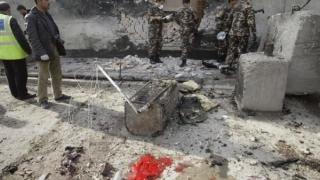 Atentat sinucigaș: mai mulți morți și răniți, printre care și polițiști