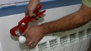 Te-ai debranșat de la instalația de încălzire centralizată? Poliția e cu ochii pe tine!