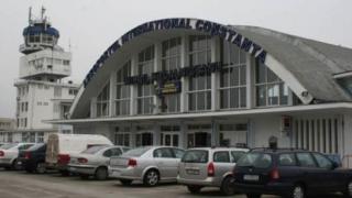 Aterizare de urgenţă pe aeroportul din Constanţa. Peste 100 de pasageri la bord