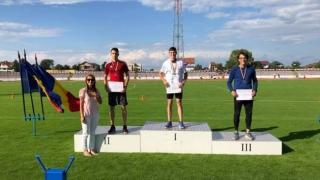 Medalii pentru sportivii de la CS Farul la kaiac-canoe, atletism, lupte și navomodelism