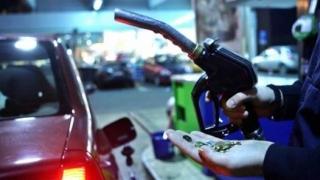 Prețurile la carburanți au crescut PUTERNIC în ultima lună, în România