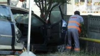 Intervenție de urgență la Valu lui Traian: o mașină a rupt o conductă de gaze!