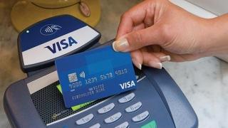 Aveţi card contactless? Grijă mare! Nici nu-ţi dai seama când rămâi fără bani!